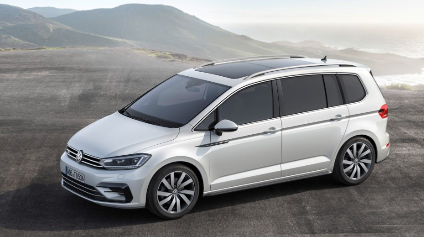 2020 VW Touran R Line changes