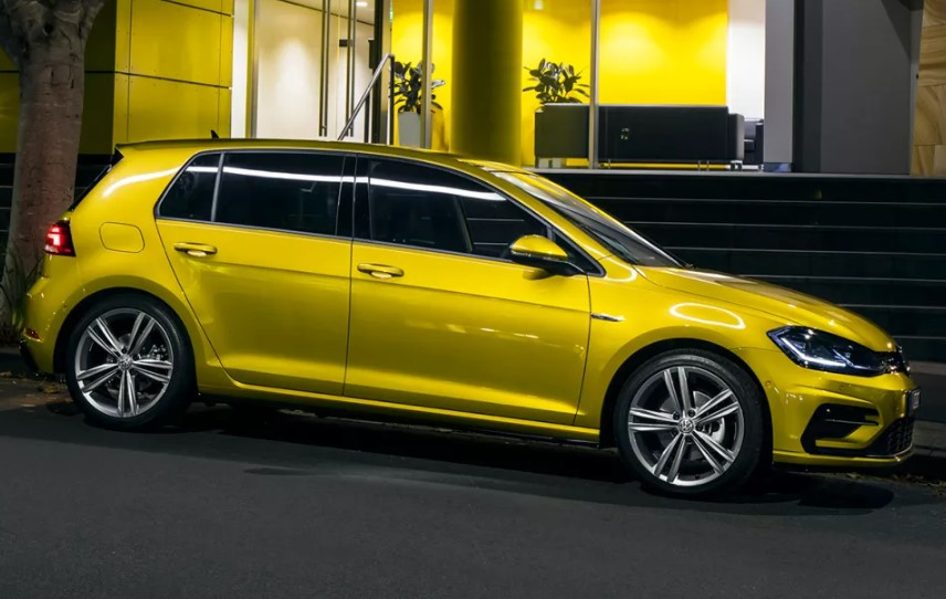 2020 VW Golf TSI R-Line changes