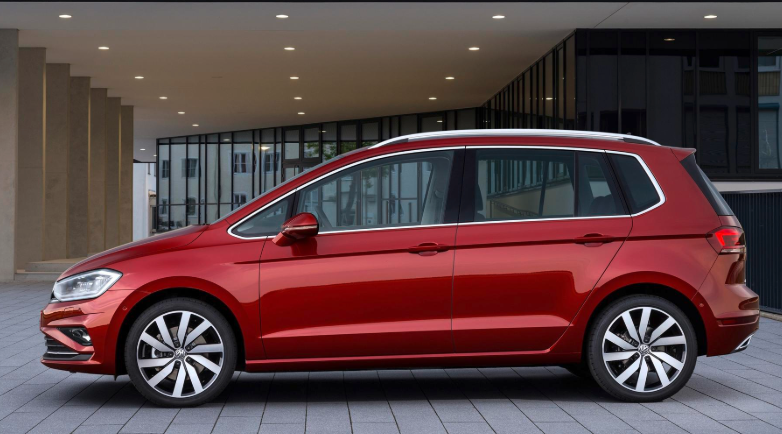 2019 VW Golf SV Petrol news
